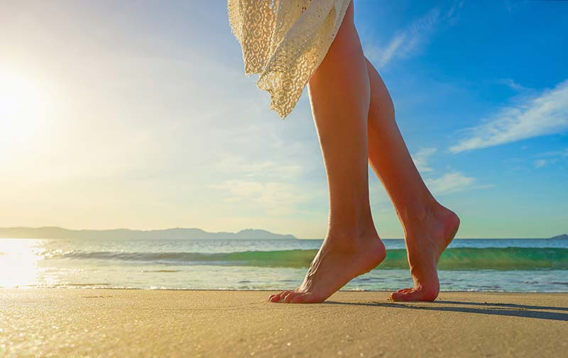 beach-feet